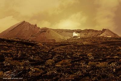 Casa en el volcán de La Corona en Lanzarote.